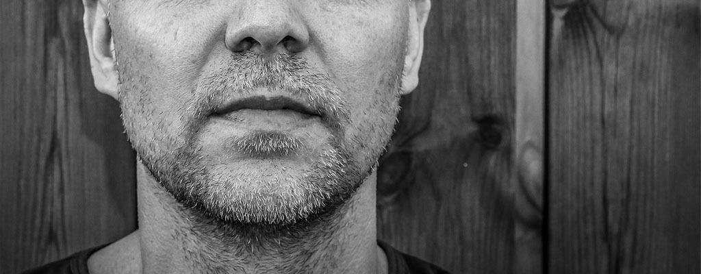 consejos para afeitarse en seco con máquina eléctrica